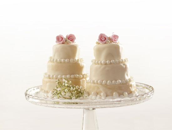Mini Wedding Pound Cakes Candiquik