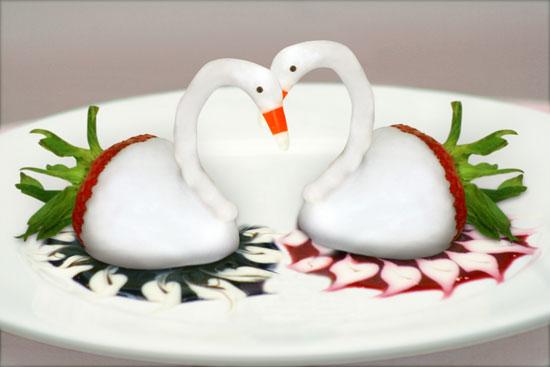 Strawberry Swans Candiquik